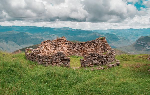 Chachapoyas, ruinas y naturaleza